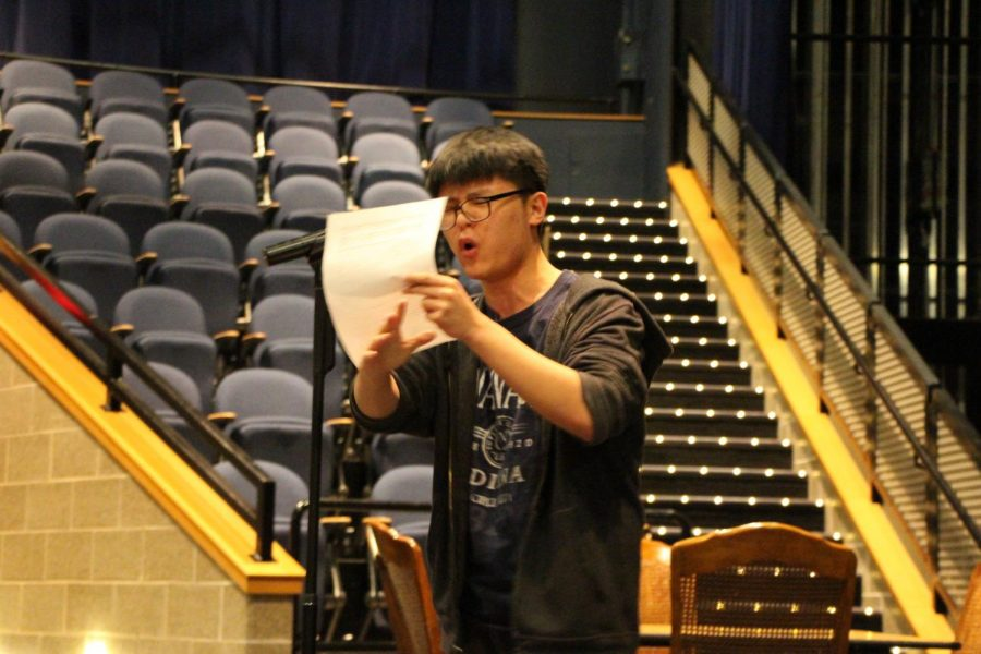 Sophomore+Han+Yun+Park+performs+during+the+Spoken+Word+showcase.