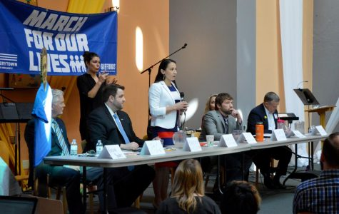 Students organize and attend town hall for Kansas' 3rd Congressional District election